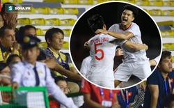 HLV Nishino và BHL Thái Lan lắc đầu, lặng lẽ rời sân ngay sau bàn thắng của Hà Đức Chinh