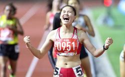 Bức ảnh ấn tượng nhất ngày: Cảm xúc hạnh phúc tột cùng của Đinh Thị Bích khi giành HCV ngay trong lần đầu tham dự SEA Games
