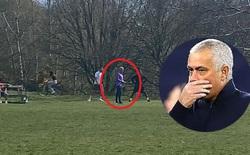 """Dắt học trò đi tập giữa dịch Covid-19, Mourinho có nguy cơ bị cảnh sát Anh """"sờ gáy"""""""