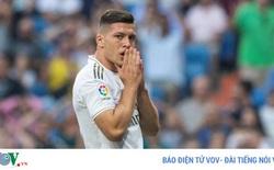 Tiền đạo Real Madrid bị gãy xương trong lúc tập luyện ở nhà