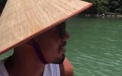 Tiếp tục chuyến du ngoạn Việt Nam, Smalling khoe ảnh đội nón lá, thưởng thức phở