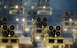 Triều Tiên ra mắt tên lửa 'siêu khủng' chưa từng được nhìn thấy