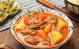 """Mẹo khéo hầm bò với rau củ cho ngày se lạnh, cả nhà ăn """"bay nồi cơm"""""""