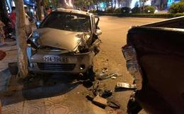 Hiện trường vụ xe ô tô CX5 gây tai nạn liên hoàn ở Hà Nội