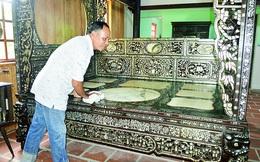 Cận cảnh chiếc giường được trả gần 4 tỷ nhưng đại gia đồ cổ ở Đồng Tháp chưa bán