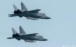 """Nga """"khoe"""" video tiêm kích MiG-31 hoạt động ở tầng bình lưu"""