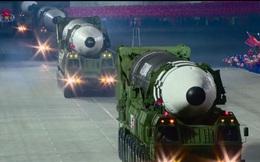 Nhiều chuyên gia bối rối vì cuộc duyệt binh trong đêm của Triều Tiên