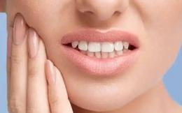 """8 thủ phạm ăn mòn, gây hại răng hằng ngày: Món số 4 """"độc"""" như ma túy đá"""