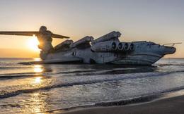 """Hình ảnh """"thủy quái"""" 400 tấn mang được tên lửa siêu thanh trên bờ biển Nga"""
