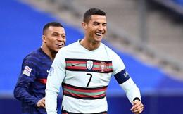 """Vừa dính Covid-19, Ronaldo đã nhận thêm tin sắp thành """"vật tế thần"""" của Juventus"""