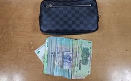 Hành khách bỏ quên ví Louis Vuitton có 350 triệu đồng tại sảnh sân bay Nội Bài