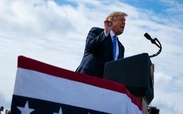 Chiến thuật 'tiến lên từ phía sau' của Tổng thống Trump