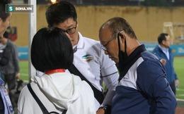 Viettel thắng nhọc nhằn, thầy Park xuống sân chờ gặp bằng được một nhân vật quan trọng