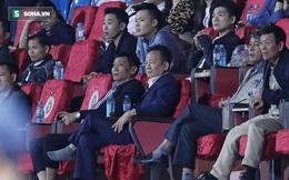 """Bầu Hiển cười trừ vì bàn thắng """"nhạy cảm"""", Hà Nội FC chật vật áp sát ngôi đầu BXH"""