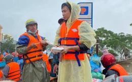 Hồ Việt Trung chính thức lên tiếng khi bị chỉ trích vì quăng quà cứu trợ cho người dân miền Trung, Tiến Luật vào trấn an