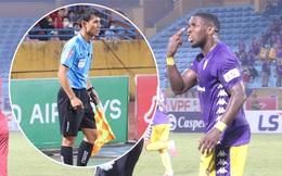 """Ngoại binh Hà Nội FC chửi thề, quát trọng tài FIFA: """"Mở mắt ra mà bắt"""""""