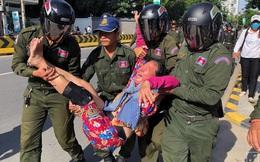 """Biểu tình phản đối """"căn cứ Trung Quốc"""""""