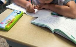 Con trai học lớp 1 lỡ làm gãy bút giá 5 triệu của bạn, phụ huynh bị đòi bồi thường nhưng cách xử lý khiến giáo viên cứng họng