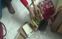 Nữ quái giấu 2 lượng ma túy trong băng vệ sinh đi giao dịch