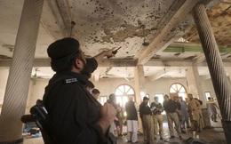 Trường học bị xé toạc bởi 6kg thuốc nổ, 90 người thương vong