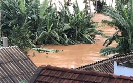 TIN BÃO SỐ 9: Nước lũ đang dâng cao, nạn nhân đi cấp cứu phải quay về vì đường bị chia cắt