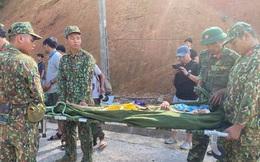 """Nạn nhân vụ sạt lở ở Trà Leng: """"Nguyên cả nhà bị ủi bay luôn, nhưng 5 người chúng tôi thoát được"""""""
