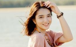 """Gái xinh khiến K-ICM """"thất tình"""" trong MV mới 18 tuổi, đang học Y và ảnh đời thường cực dễ thương"""