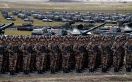 Lính Trung Quốc cấp tốc học lái xe BMP Nga: Điều không tưởng diễn ra quá nhanh!
