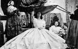 """Bí ẩn về chiếc váy là """"sát thủ"""" giết chết hơn 40.000 phụ nữ suốt hơn 100 năm"""