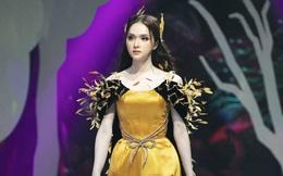 Bỏ qua lùm xùm với atifan, Hương Giang Idol tự tin catwalk