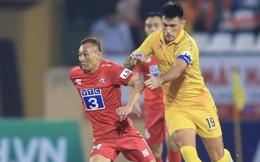[TRỰC TIẾP V.League] Quảng Nam có bàn thắng sớm, sức ép đè lên Nam Định