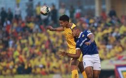 [TRỰC TIẾP V.League] Quảng Nam dẫn trước 2-0; Nam Định đá hỏng penalty
