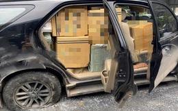 Lộ điều mờ ám của chiếc ô tô bể bánh mà tài xế vẫn cố chạy