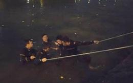 Tìm thấy thi thể thanh niên nhảy cầu Nguyễn Văn Cừ