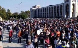 """Kyrgyzstan: Kịch bản """"Cách mạng hoa Tulip"""" liệu có tái diễn?"""