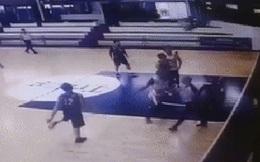 Bạo lực ở giải bóng rổ Uruguay: Cầu thủ bỏ bóng đánh trọng tài nhập viện