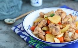 """""""Nâng cấp"""" món gà với cà rốt, khoai tây để bữa cơm gia đình thêm bổ dưỡng"""