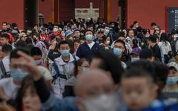 """Nỗi sợ """"song dịch"""" ở Trung Quốc: Dân phát cáu vì muốn tiêm mà không được"""