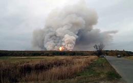Lửa cháy rừng thiêu trụi kho đạn Nga