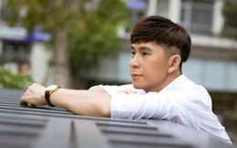 """Châu Gia Kiệt: Bị bố ruột đuổi khỏi nhà, cấm hát vì nghề """"xướng ca vô loài"""", phải ăn mì gói qua ngày"""