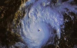 """Philippines: Siêu bão mạnh nhất năm sắp đổ bộ, """"thảm họa chồng thảm họa"""""""