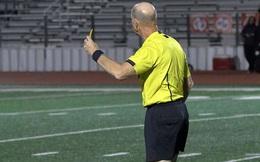 Camera AI nhầm lẫn quả bóng với đầu trọng tài, người xem phát rồ vì hỏng hết cả trận đấu