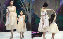 Á hậu Kim Duyên catwalk cùng con gái Xuân Lan