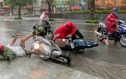 Bão số 12 đổ bộ: Phú Yên mưa rất to, 1 người bị thương, sập 3 ngôi nhà