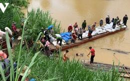 Hàng nghìn dân mắc kẹt trong nước lũ lòng hồ Krông Pách thượng: Làm sao để vẹn toàn?