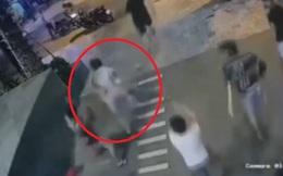 Nhóm thanh niên rượt đuổi, đâm chém bảo vệ tiệm massage ở Sài Gòn
