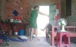 Đề nghị truy tố người phụ nữ đánh đập, bạo hành mẹ già 80 tuổi ở Long An
