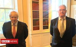 Thủ tướng Anh phải cách ly sau khi gặp nghị sĩ mắc COVID-19