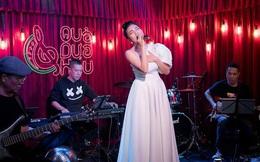 Phương Phương Thảo hát liên tục hơn 20 ca khúc trong minishow
