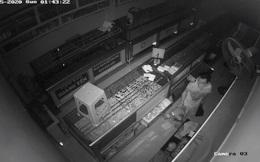 Chủ tiệm bạc ở quận 12 hốt hoảng báo công an khi xem camera an ninh